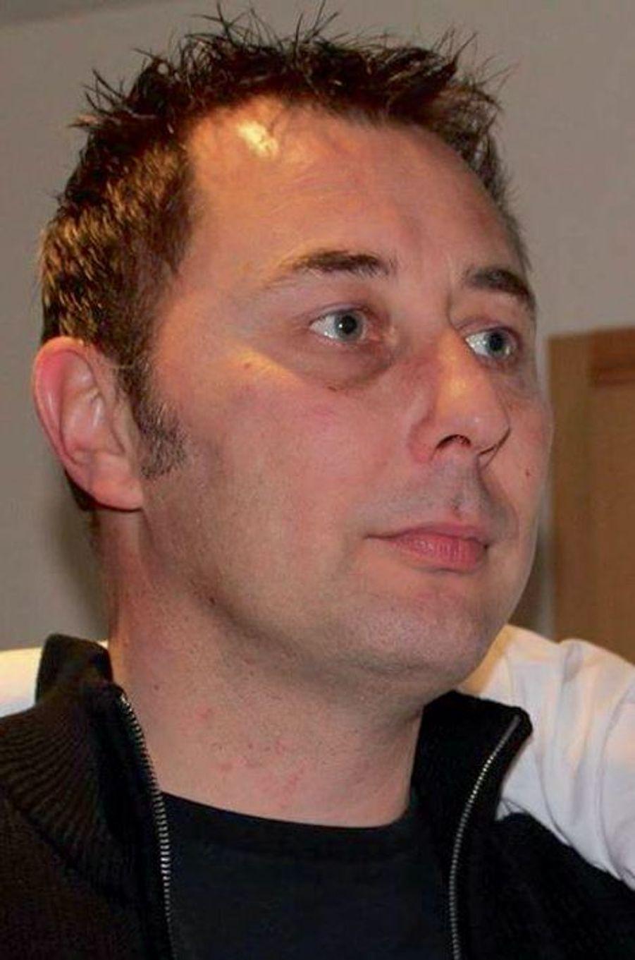 Frédéric, 45 ans, étaitemployé de la Banque de France à Cergy, père de deux enfants. Il était au Bataclan avec sa compagne Stéphanie, blessée.