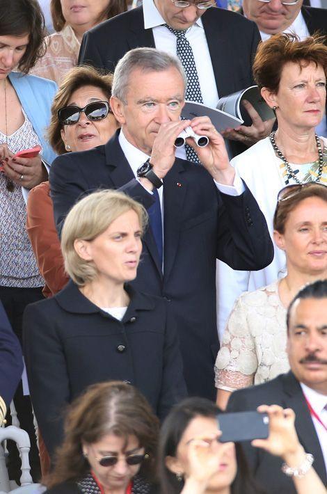 Bernard Arnault, un père fier de son fils polytechnicien qui défilait le 14 juillet