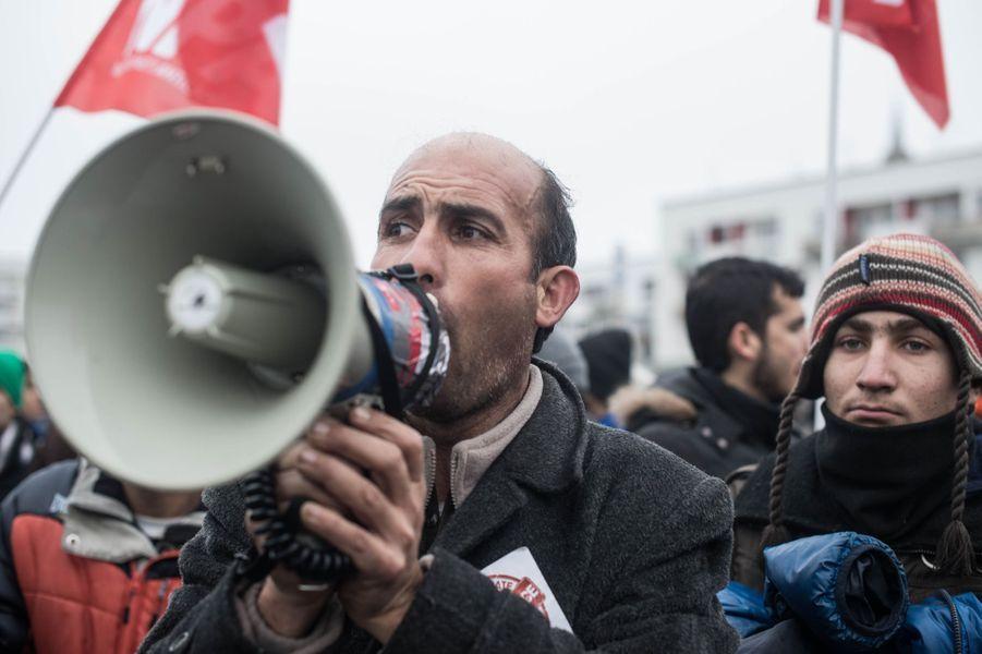 Photo prise lors du rassemblement par des collectifs de soutien aux migrants