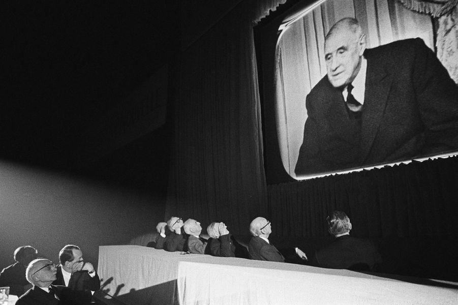 Charles de Gaulle en pleine campagne électorale