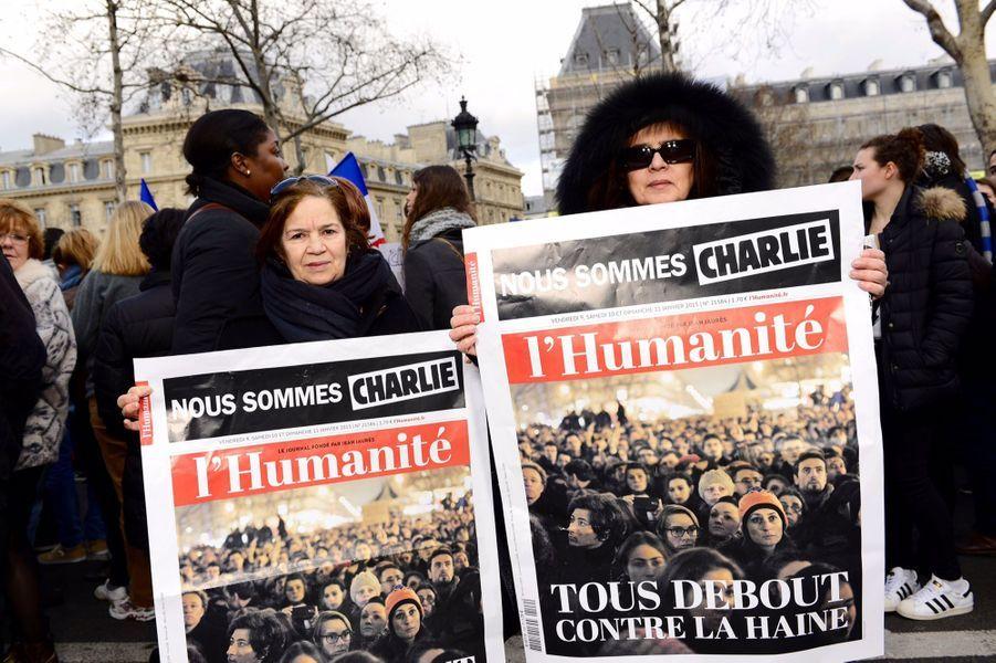 """""""Nous sommes pour notre liberté, pour le travail des journalistes, pour nos enfants, nos petits enfants. Nous sommes humaines. C'est l'humanité qui doit triompher"""""""