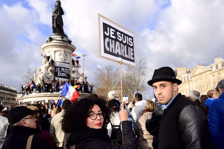 """""""Nous sommes au cœur d'une crise économique, sociale, identitaire mais nous sommes tous Français. Restons unis"""""""