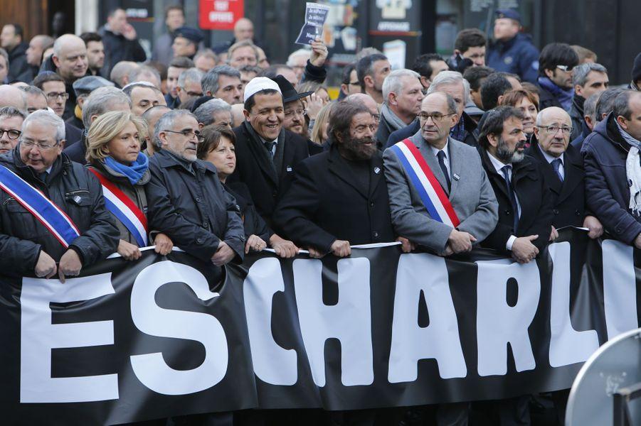 Jean Paul Huchon, Valérie Pécresse, Martine Aubry, Hassen Chalghoumi, Marek Halter et Eric Woerth durant la marche républicaine à Paris