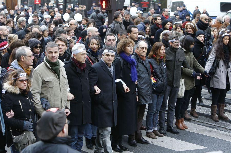 """Les proches de """"Charlie"""" durant la marche républicaine à Paris"""