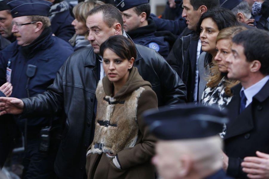 Najat Vallaud-Belkacem, Anne Gravoin et Manuel Valls durant la marche républicaine à Paris