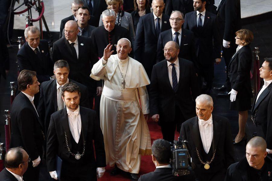 Le pape François quitte le Parlement européen à Strasbourg