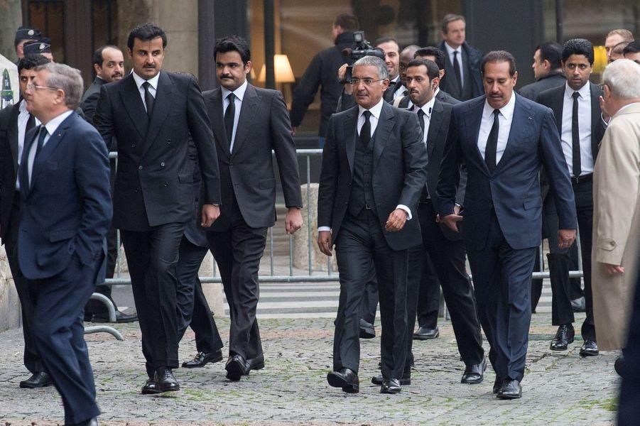 L'émir du Qatar Tamim bin Hamad al-Thani à l'hommage à Christophe de Margerie qui a été rendu au sein de l'église Saint-Sulpice à Paris