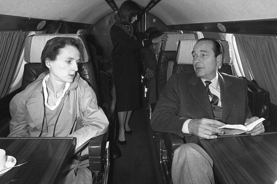 Laurence Chirac, avec son père Jacques Chirac, alors candidat RPR à l'élection présidentielle, le 26 avril 1981.