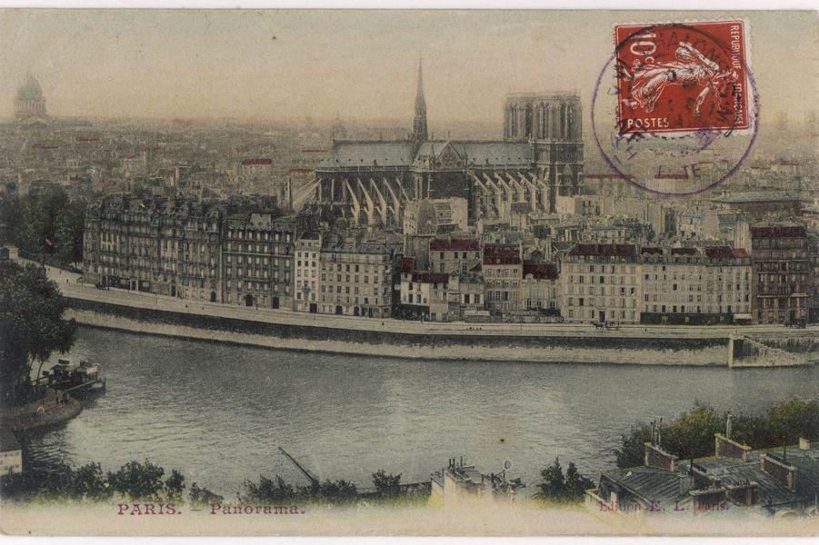 Notre-Dame de Paris en 1906.