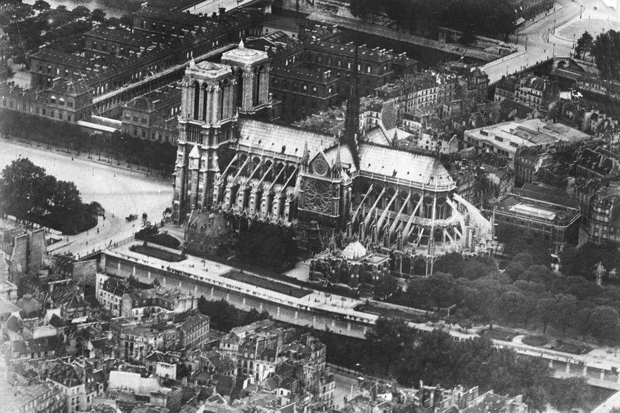 Notre-Dame de Paris en 1930.