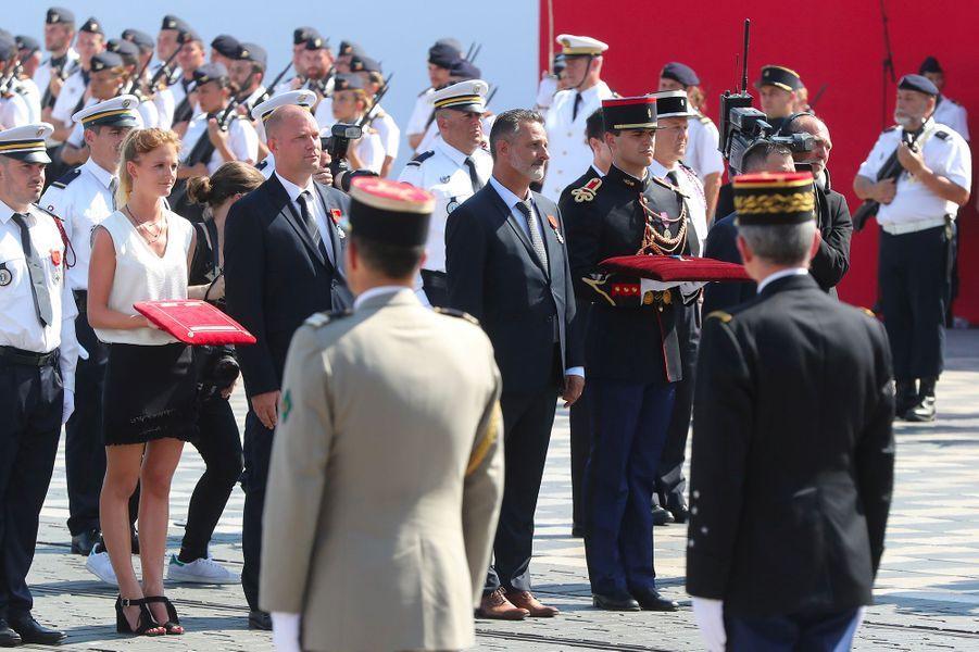 Chritian Estrosi a remis la Légion d'honneur à Franck Terrier.