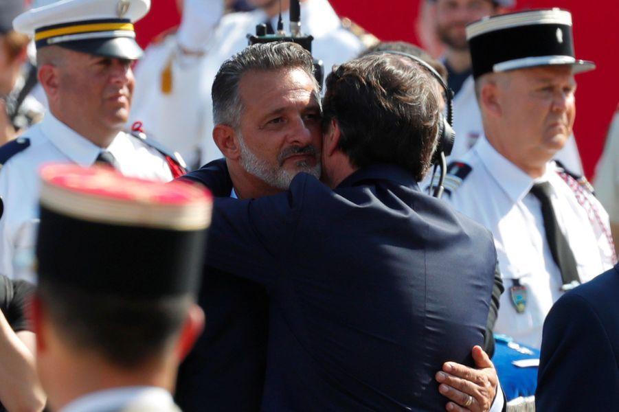 Chritian Estrosi a remis la Légion d'honneur à FranckTerrier.