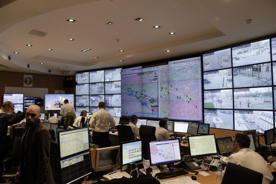 A l'intérieur du centre d'information et de commandement delaDirection de l'Ordre Public et de la Circulation, samedi matin.