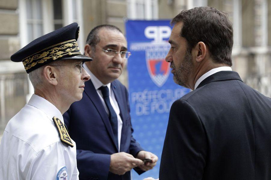 Didier Lallement, Laurent Nuñez et Christophe Castaner, samedi matin à laDirection de l'Ordre Public et de la Circulation.