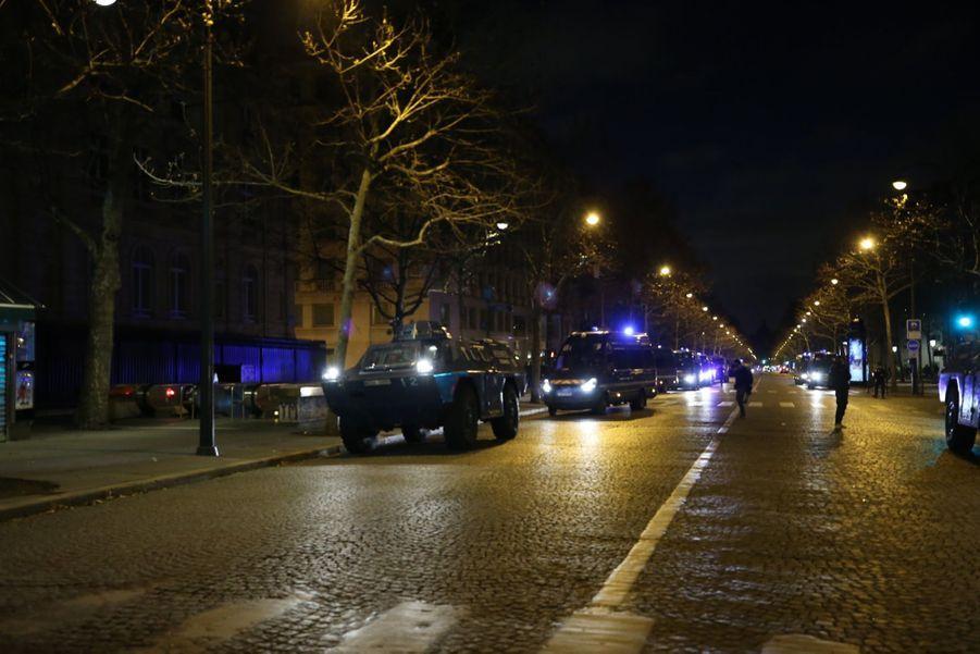 Avant la manifestation des Gilets Jaunes à Paris, le 8 décembre 2018.