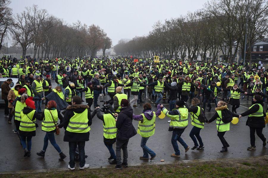 Manifestation Des Gilets Jaunes À Bourges ( 1