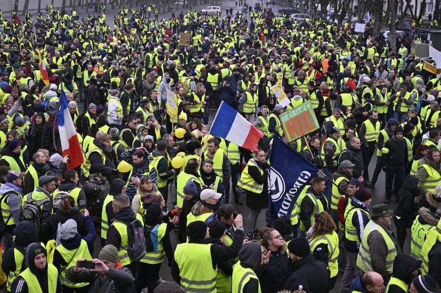 Manifestation Des Gilets Jaunes À Bourges ( 10