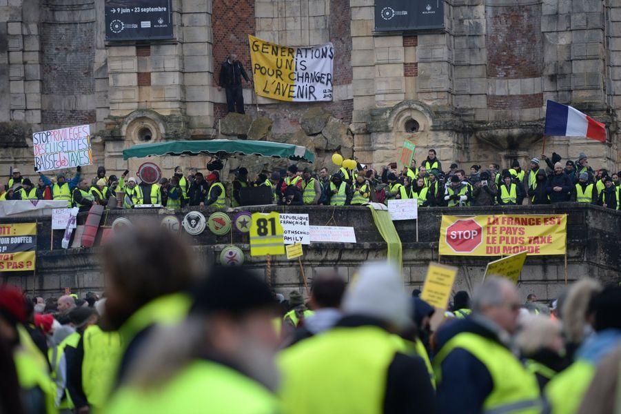 Manifestation Des Gilets Jaunes À Bourges ( 5