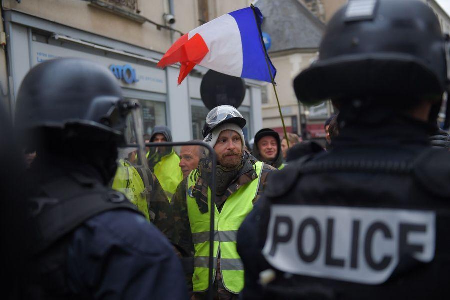 Manifestation Des Gilets Jaunes À Bourges ( 9