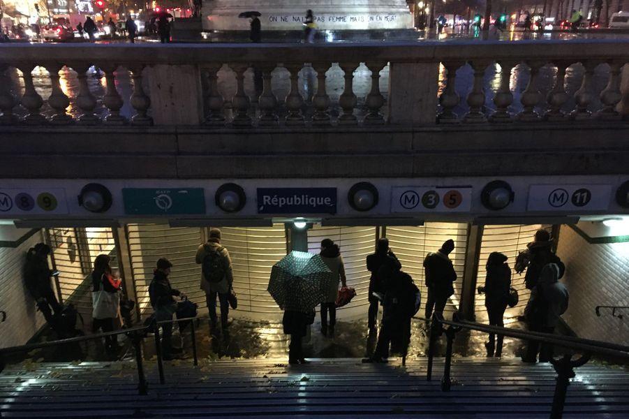 Pluies diluviennes, transports au point mort : les Franciliens ont vécu un lundi matin apocalyptique.
