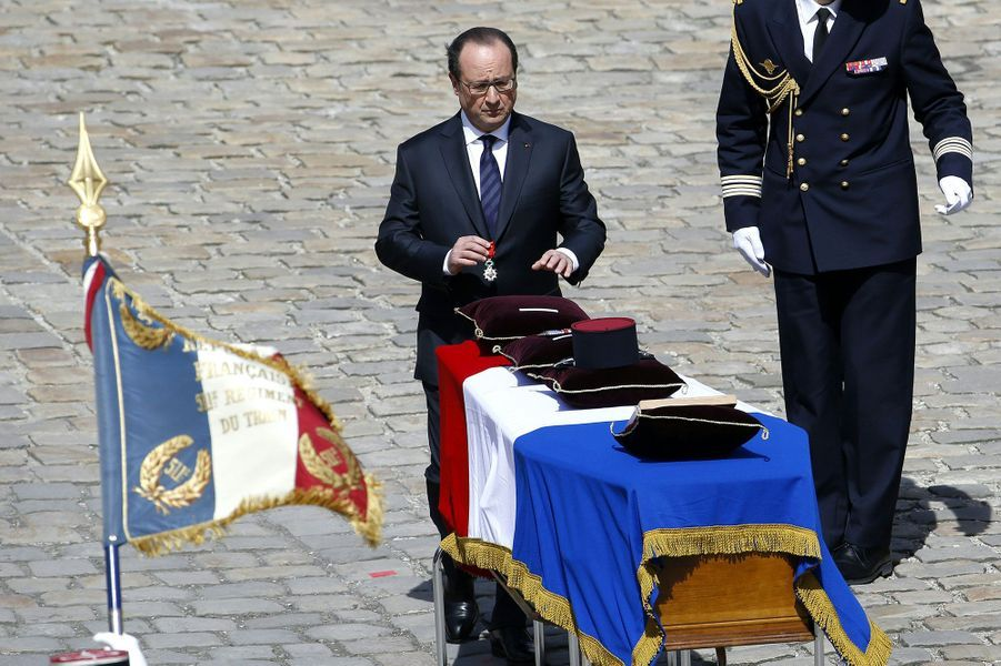 Un hommage a été rendu aux trois soldats morts au Mali dans l'explosion de leur véhicule blindé
