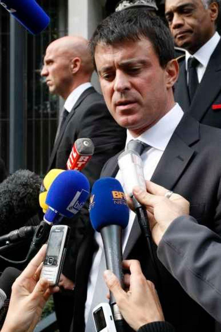Manuel Valls a tenu une conférence de presse annonçant la création d'une ZEP à la Villeneuve.
