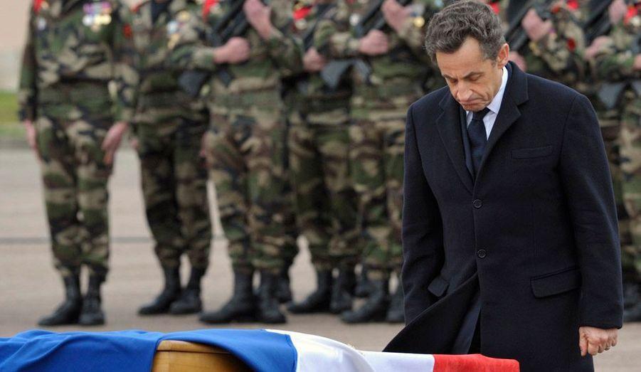 """Nicolas Sarkozy a pris la parole lors de la cérémonie, évoquant une '""""exécution terroriste"""". """"Ces crimes ne demeureront pas impunis"""", a-t-il dit en demandant d'éviter l'""""amalgame"""" et la """"vengeance""""."""