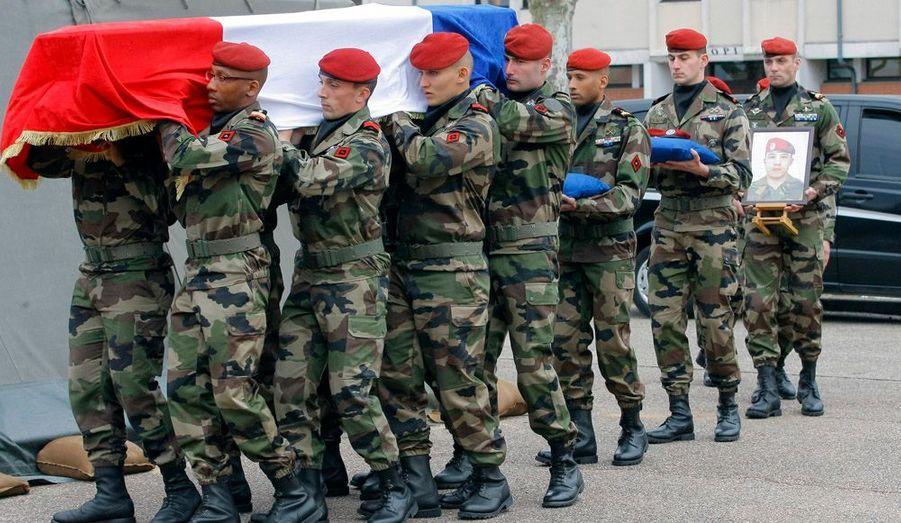 Une cérémonie vibrante. Le président de la République Nicolas Sarkozy a rendu hommage aux trois parachutistes du 17e RGPI de Montauban qui ont trouvé la mort les 11 et 15 mars dernier.
