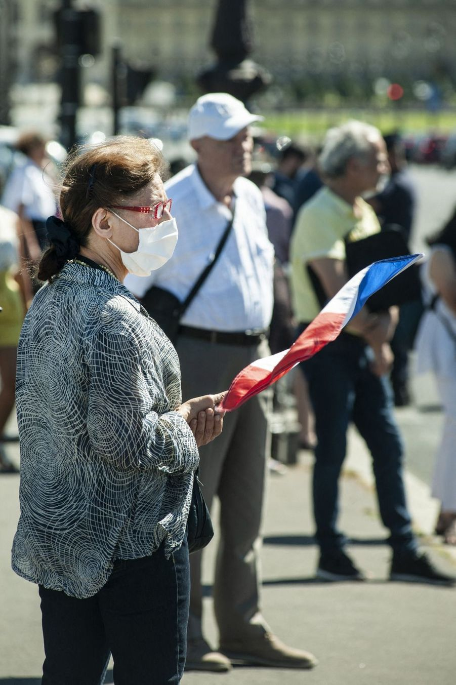 Des citoyens sont venus assister à l'hommage.