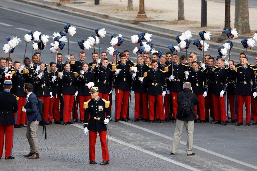 Les étudiants de l'école militaire de Saint-Cyr lors du défilé du 14-Juillet.