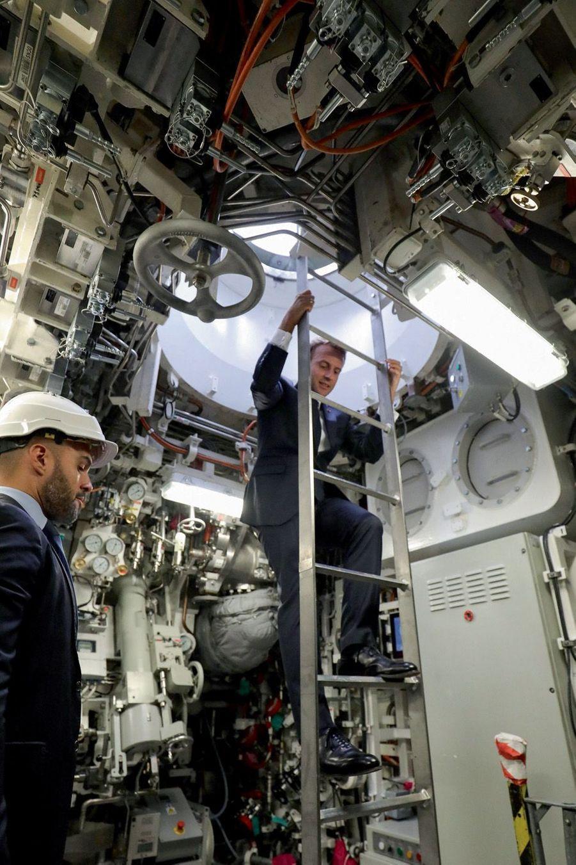 Le bâtiment peut accueillir 60membres d'équipage en autonomie pendant soixante-dix jours, contre quarante-cinq pour son prédécesseur.