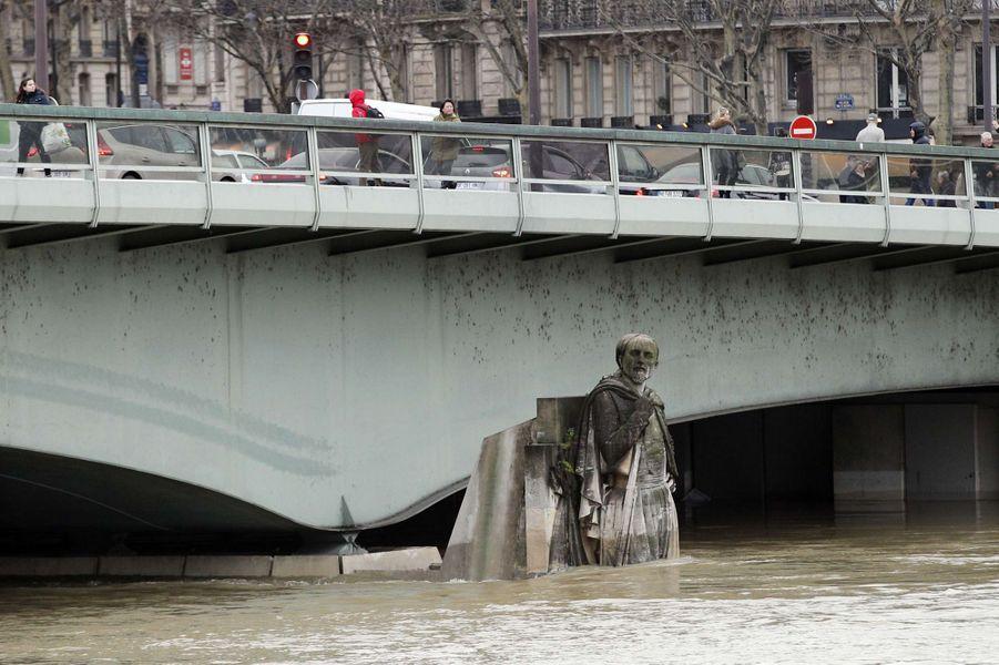 Le Zouave Du Pont De L Alma Indicateur De La Crue De La Seine