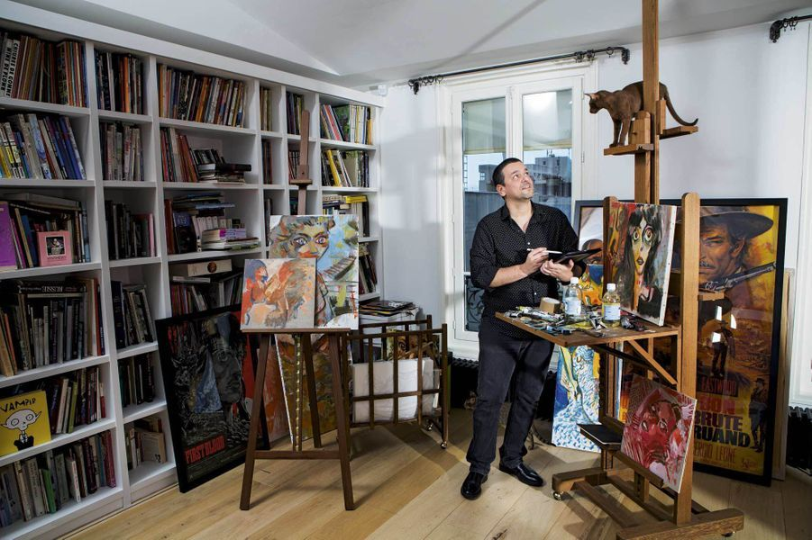 """Légion d'honneur: le dessinateur Joann Sfar, auteur de la BD à succès """"Le Chat du rabbin"""", est distingué chevalier à seulement 44 ans."""