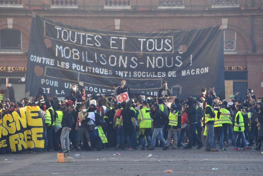 """""""Gilets Jaunes"""" : """"Acte 15"""" à Toulouse"""