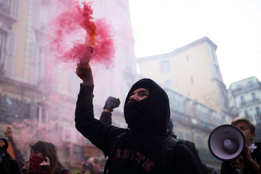 Les manifestations contre la loi travail dégénèrent en France