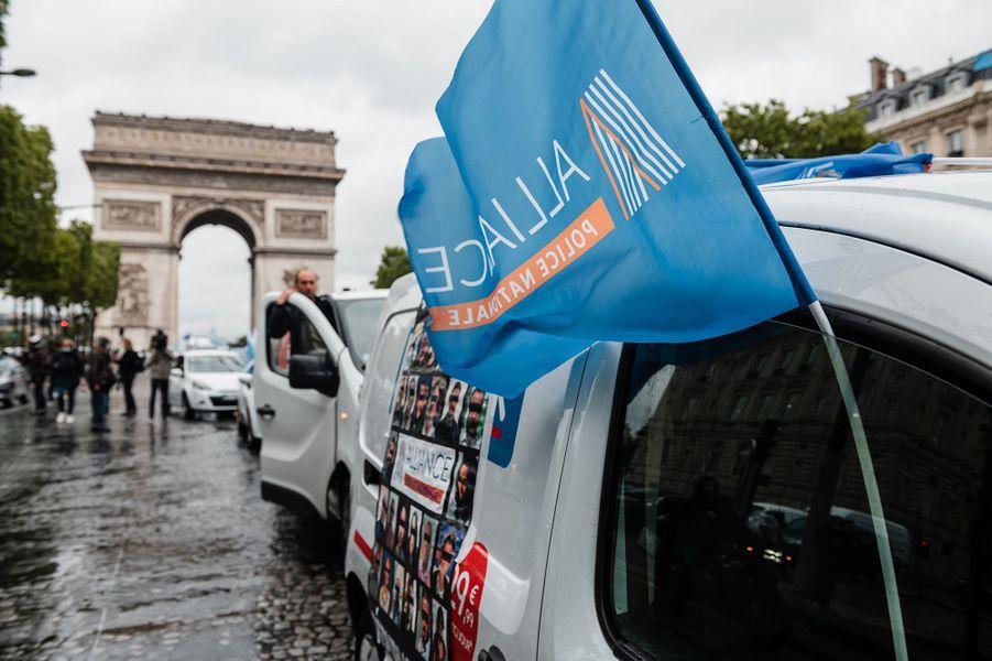 Les policiers ont manifesté à Paris.