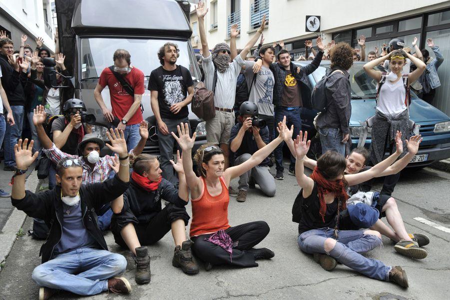 De nombreuses dégradations ont été commises jeudi à Rennes après une manifestation d'opposants à la loi travail.