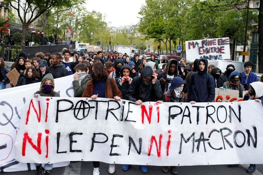 Manifestation à Paris, le 27 avril 2017.