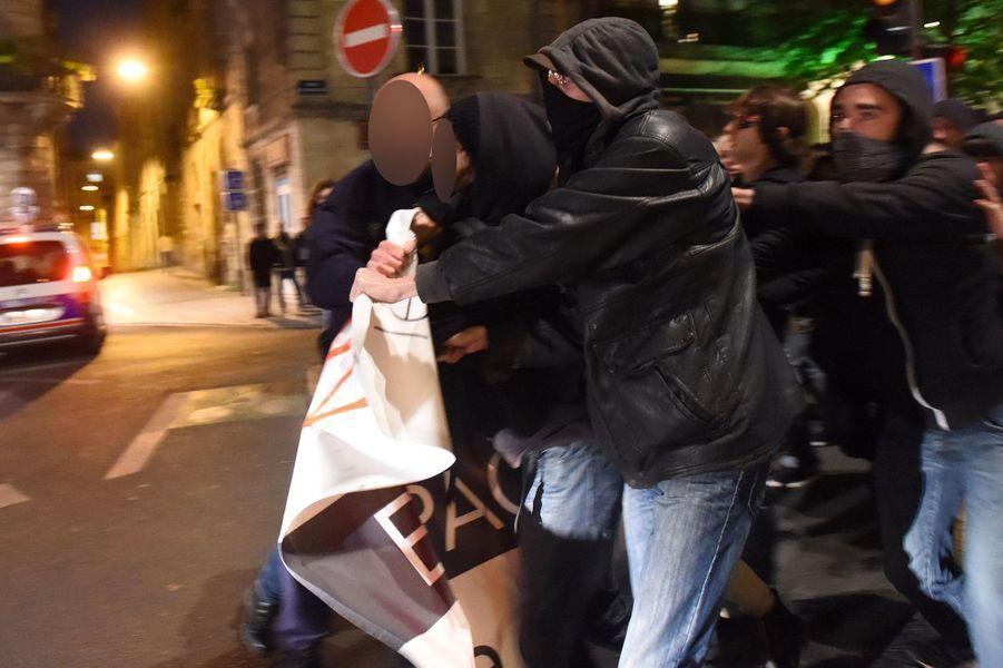 Une manifestation rassemblant environ 300 personnes s'est déroulée jeudi à Bordeaux