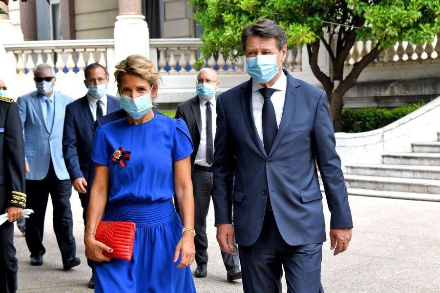 Le maire de Nice Christian Estrosi et son épouse Laura Tenoudji lors de la cérémonie d'hommage dans les jardins du musée Masséna.