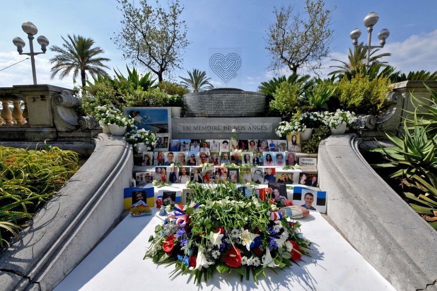 Mardi matin,une cérémonie d'hommage s'est déroulée dans les jardins du musée Masséna.