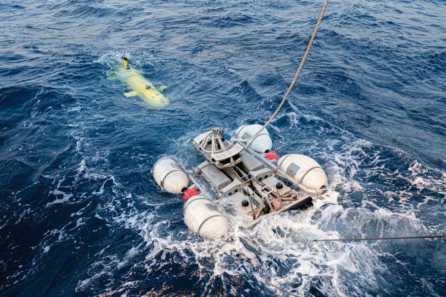 Grâce aux ordinateurs du Commissariat à l'énergie atomique, les données collectées après le naufrage – remontées d'hydrocarbures, relevés sismiques, photos aériennes – ont été compilées et une nouvelle zone de prospection a été définie. Le sous-marin sera finalement localisé par le navire américain « Seabed Constructor » et identifié grâce à des drones.