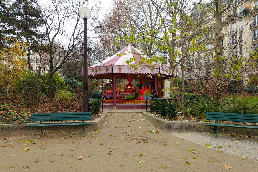 Le square Boucicaut (7e)