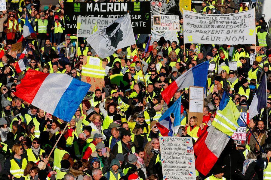 Des «gilets jaunes» à Marseille, samedi.