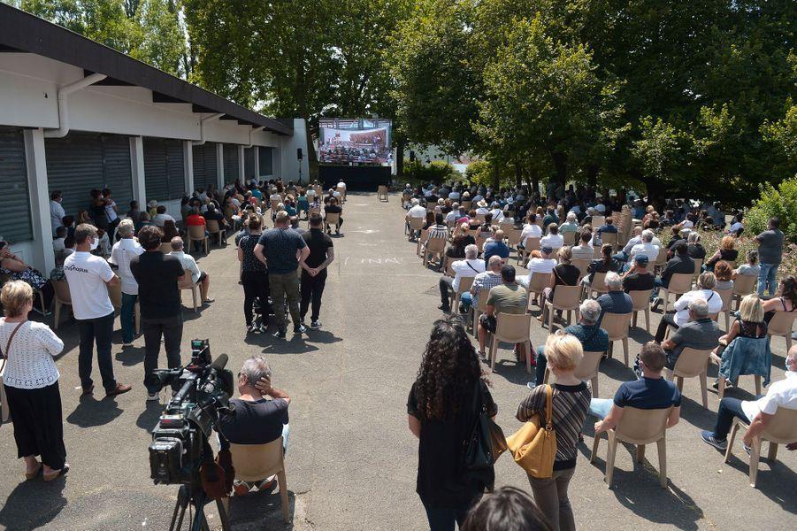 Les obsèques dePhilippe Monguillotse sont déroulées devant une foule de près d'un millier de personnes.