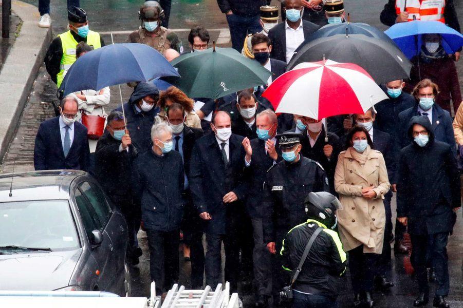 Jean Castex, Gérald Darmanin et Anne Hidalgo sur les lieux de l'attaqueà Paris, le 25 septembre 2020.