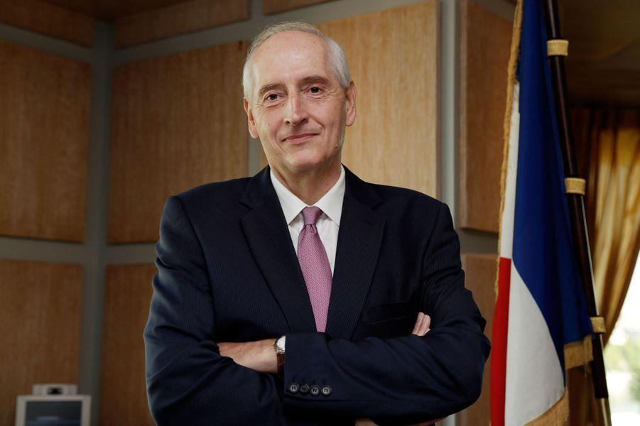 Michel Cadot, préfet d'Ile-de-France, est distingué.