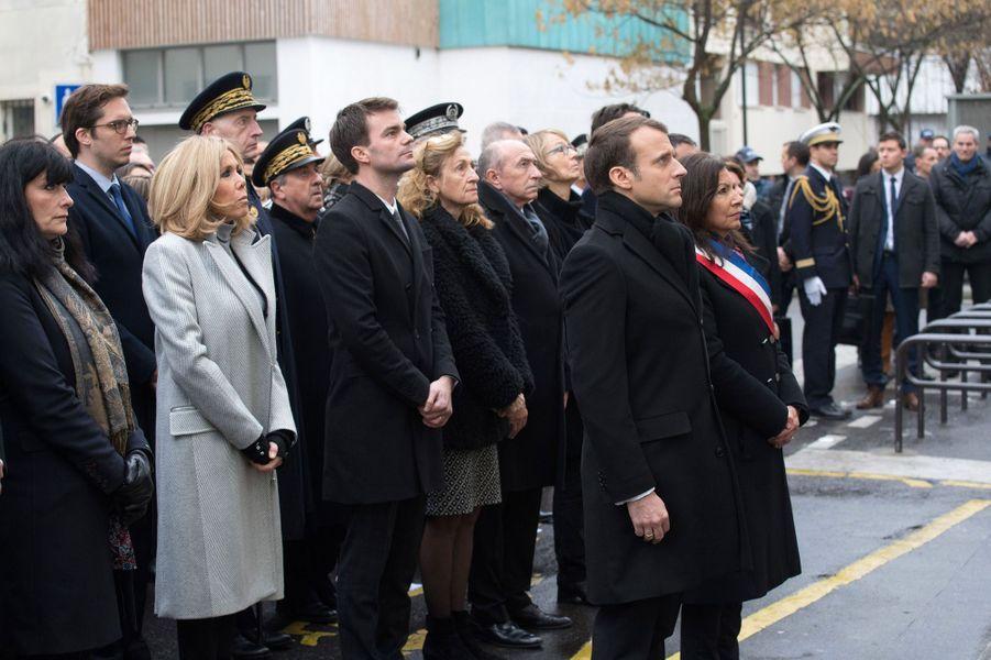 Emmanuel et Brigitte Macron et Anne Hidlago lors de l'hommage aux victimes de l'attentat de Charlie Hebdo.