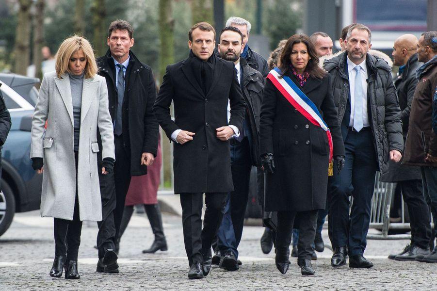 Emmanuel Macron, son épouse Brigitte et Anne Hidalgo arrivent à l'Hyper Cacher de la Porte de Vincennes.