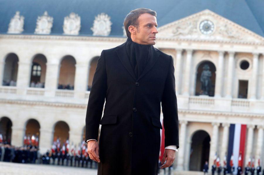 Emmanuel Macron lundi aux Invalides pour l'hommage aux 13 soldats tués au Mali.